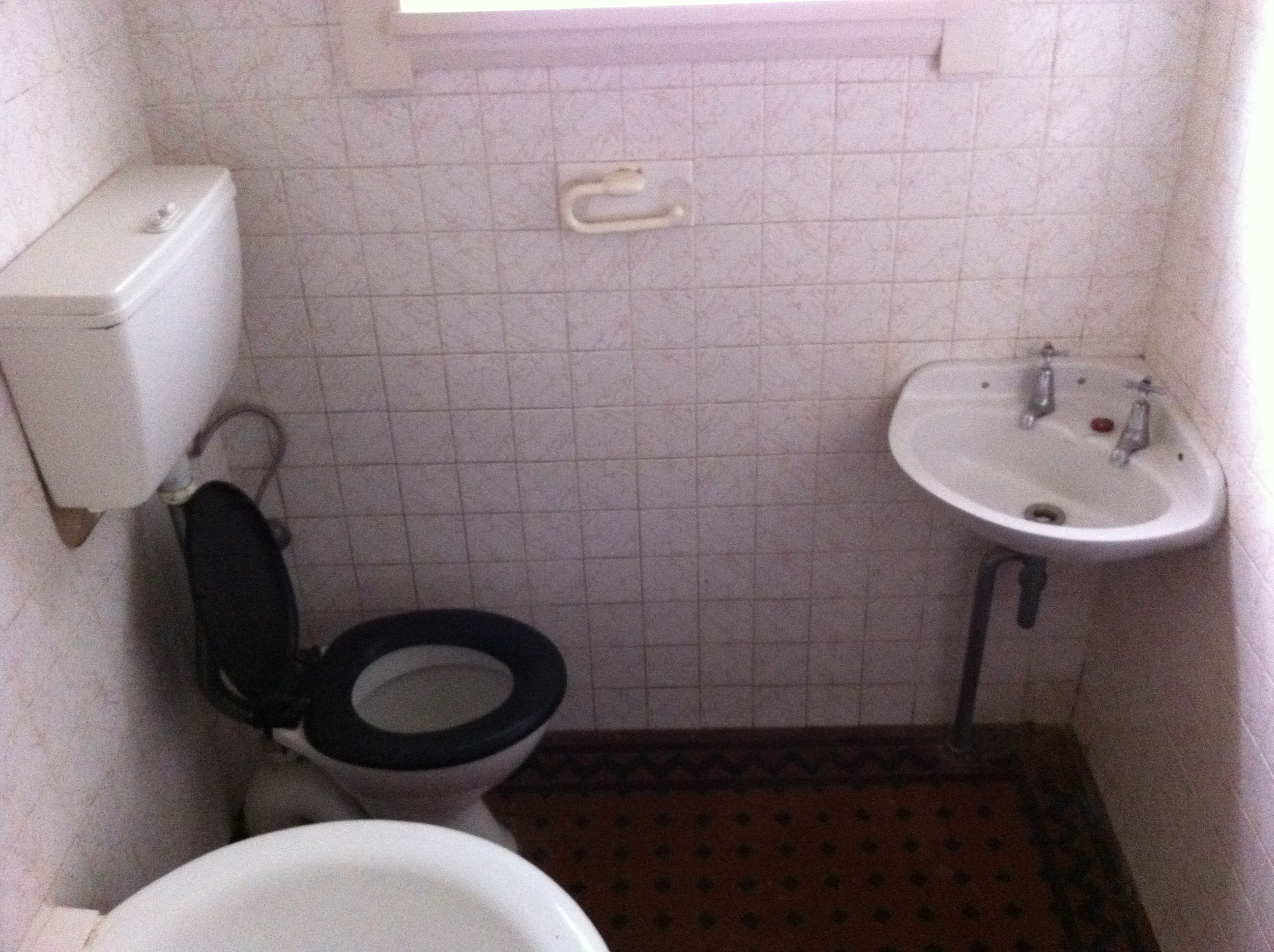 Photo of an old bathroom in original condition
