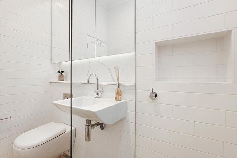 Bathroom Shower Screens frameless